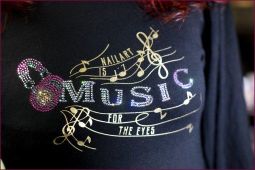 Strass Shirt Nailart is Music